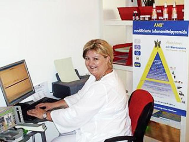 Dipl. Krankenschwester Birgit Radl AMB-Institut 1220 Vienna